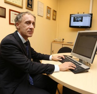 Dr. Alberto Batalla